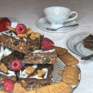 Vegan-Biscoff-Tiffin-Jazz-B-Fit-632x474